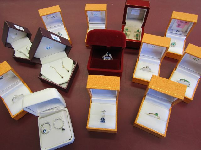 Online Auction – Jewellery Closes Wed May 4 @ 12 Noon