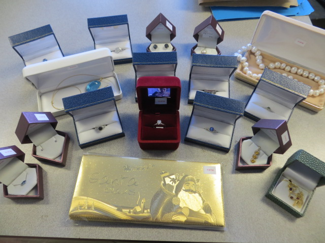 Online Auction – Jewellery Bidding Starts to Close Tues Dec 5 @ 6 pm